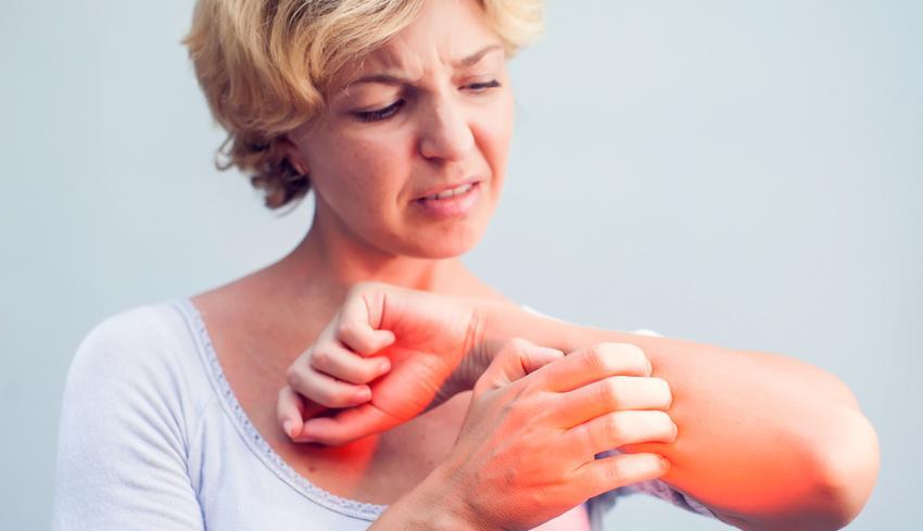 a gyomor foltja piros és viszkető fotó a pikkelysömör fizioterápiás kezelése